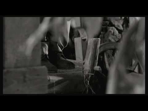 1945 Trailer subs español