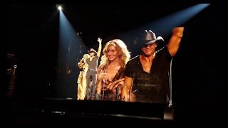 Tim McGraw & Faith Hill Honor Fan's Son - Soul2Soul Albany 8-19-2017