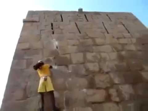 Видео: Как он это делает Просто уму не постижимо