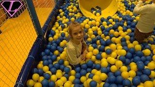 Детский городок Классная детская комната Развлечения для детей  и много игрушек для детей Entertainm