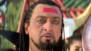Bollywood Movies Scene – Gulshan Grover Attacks Javed Jaffrey - Hindi Movies – Jajantaram Mamantaram