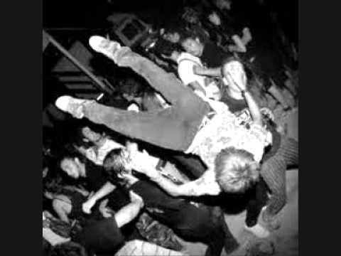 Linea 77 - Inno All'Odio + L'Ultima Volta / Tanto peggio per i fatti (LIVE 2010)