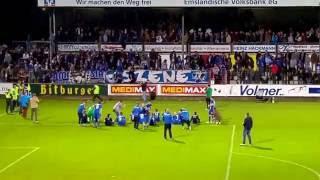 SV Meppen vs Lüneburger SK Hansa, Ergebnis: 2-1, Humba mit Deters auf dem Zaun