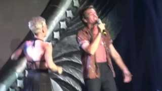 P!nk - Just Give Me A Reason (feat. Nate Ruess) (Live) Hamburg/Germany