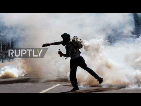 Venezuela: Fiery clashes hit Caracas as Constituent Assembly opens *PHOTOS*