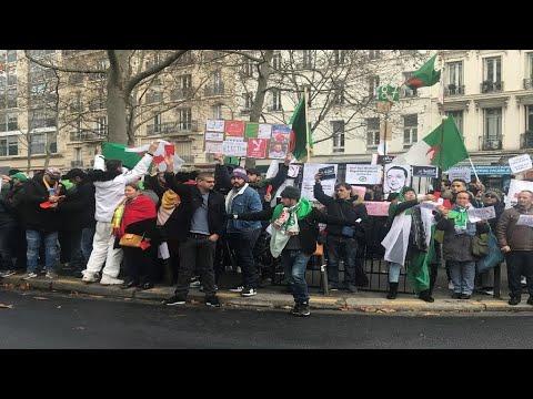 الجزائريون في الخارج يبدأون الإدلاء بأصواتهم في انتخابات رئاسية يعارضها الحراك  - نشر قبل 6 ساعة