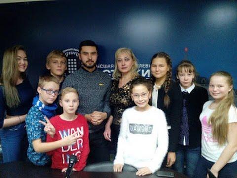 Смотреть клип Светлана  Аликина, преподаватель музыки, хоровик-дирижёр,  руководитель отдела продаж