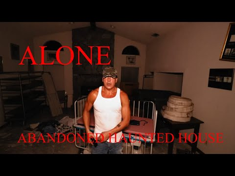 30 Minute ALONE Challenge (ABANDONED HAUNTED SURGERY CENTER) AT 1 AM