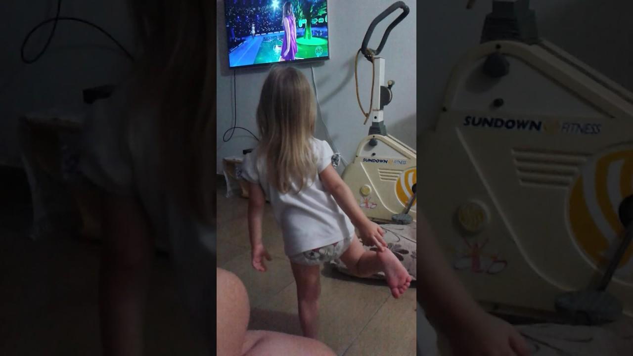 Dançando 😍😘🤣 - YouTube