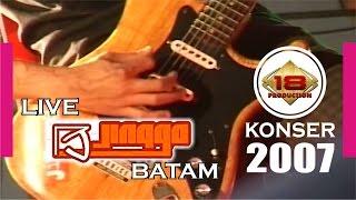 KEREN BANGET...!!! KENANGAN MOMO GEISHA BERSAMA JINGGA PERTAMA KALI MANGGUNG (LIVE KONSER 2007) Mp3