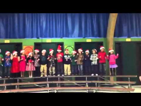 Linda elementary school singing for Christmas 2011