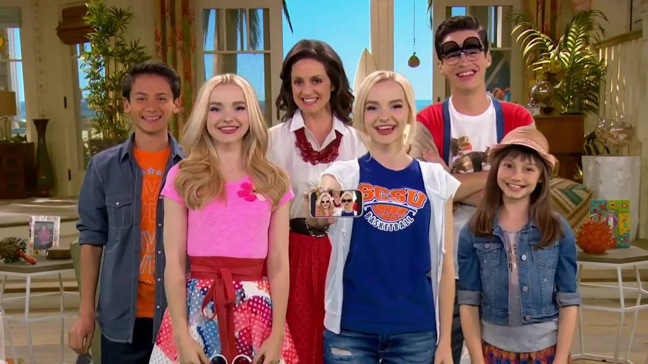 Liv Y Maddie Estilo California Intro Temporada 4 YouTube