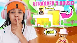 I Spent 24 HOURS In Strangers HOUSES In Adopt Me! Roblox