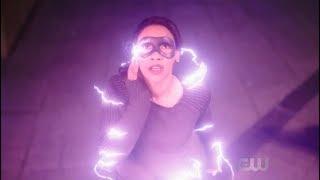 Айрис-спидстер спасает людей из огненного дома. Флеш 4 сезон 16 серия.