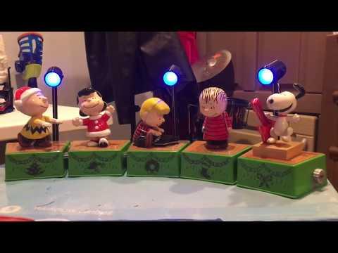 Hallmark Charlie Brown Dance Party Wireless Band 2017