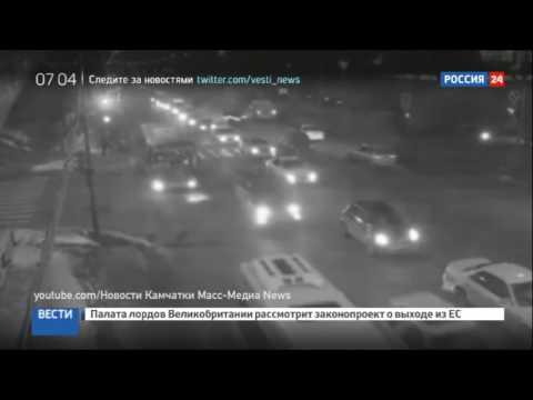 В Петропавловске-Камчатском женщина погибла, выпав из автобуса