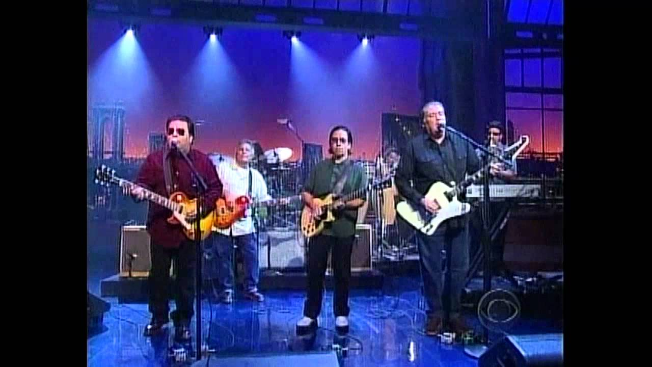Los Lobos \'Charmed\' 2005 - YouTube
