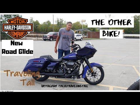 2020 Harley-Davidson Road Glide Special. The other bike!