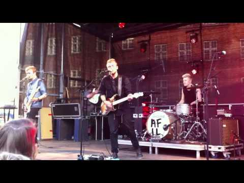 Rest from the Streets - A Friend in London (Live in Viborg)