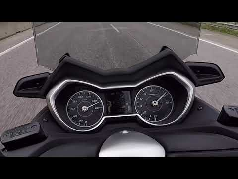 Yamaha XMAX 300 2018 - review e test ride