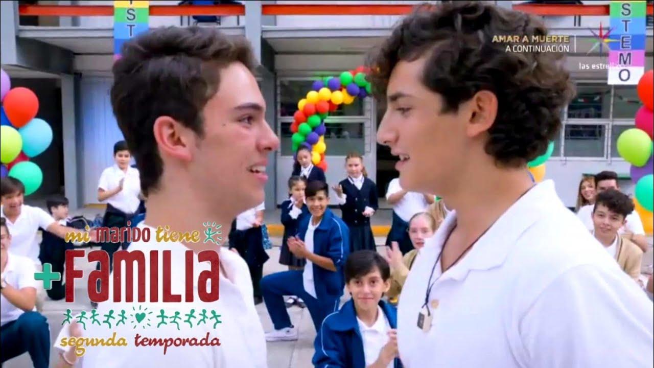 Y El Beso De Aristemo El Amor Homosexual Llega Al Gigante