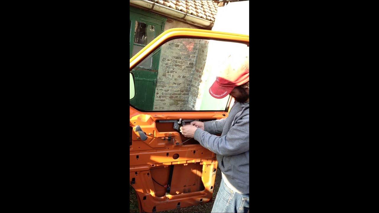 Dépose Vitre De Porte Avant Transporter - Youtube