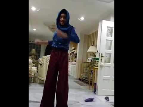 ISMAIL IZZANÎ menari !!!!?