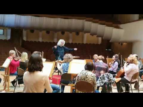 Репетиция Симфонического оркестра Самарской филармонии Группа струнных Д. Шостакович. Симфония №7 Ч3
