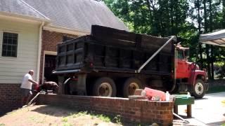 10 tons o' gravel
