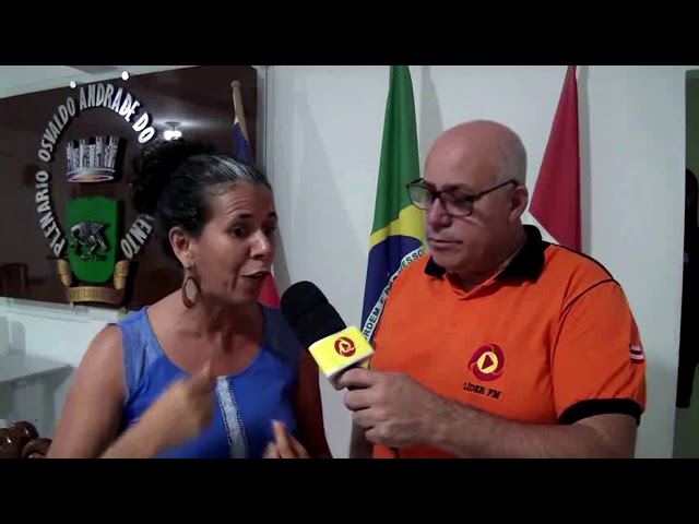 Profssora Ivana fala sobre reforma da previdência e diz não concordar com escola militar em Mutuípe