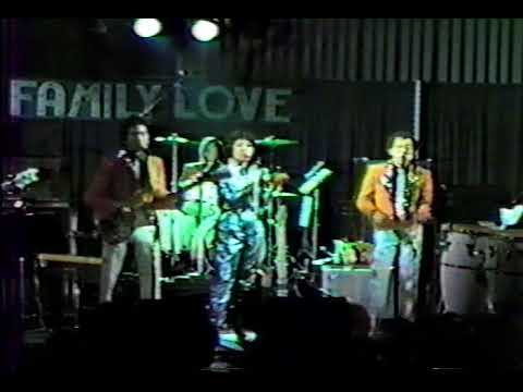 Carry On - The Family Love (cover) 1984 at Santa Clara Convention Center
