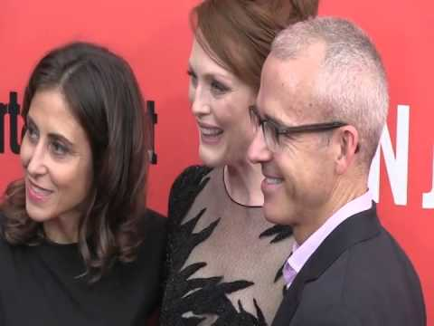 Download Ben and Kate star Dakota Johnson and her mother Working Girl actress Melanie Grif