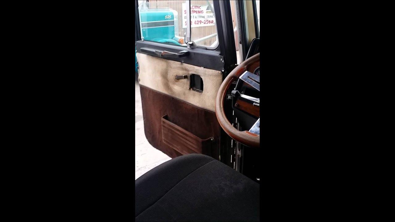 1988 Peterbilt 379 Interior
