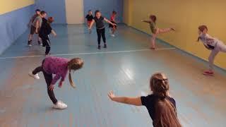Урок физкультуры, 1 группа.