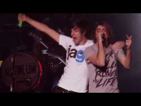 All Time Low - Dear Maria, Count Me In (Live from Straight To DVD)