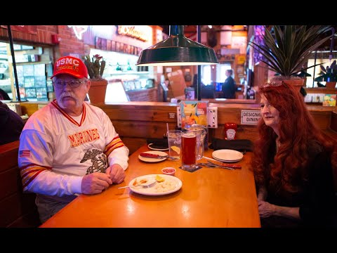 Couple eats at Texas Roadhouse six days a week for 15 years