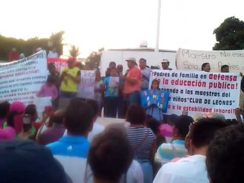 MARCHA EN SALINA CRUZ OAXACA EN CONTRA DE LA REFORMA EDUCATIVA