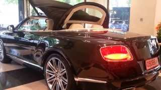 Bentley Continental GT Convertible: Roof closing start up and small revs!