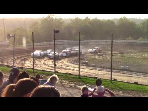 Hummingbird Speedway (6-17-17): Street Stock Heat Race