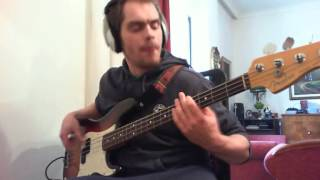 Green Day - [HQ Audio] Holiday (Bass Cover)
