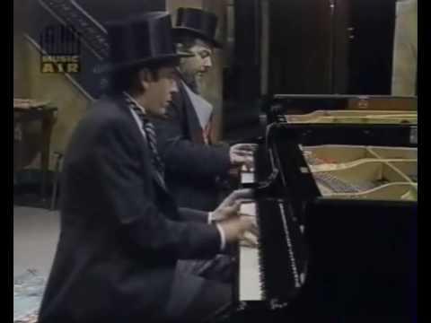 Four-hands boogie woogie: Dr John & Jools Holland