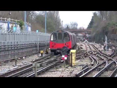 Trains at Finchley Central