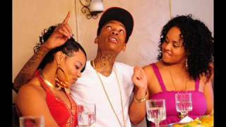 Wiz Khalifa Ft Nelly Furtado - Real (OFFCIAL Video)(Download)