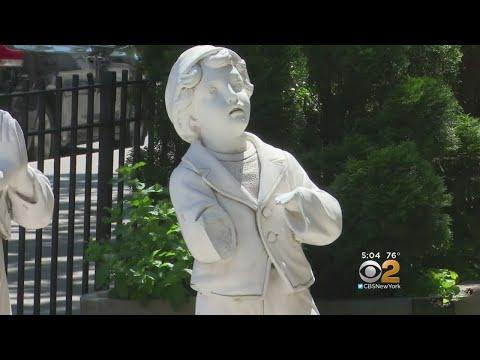 SoHo Statue Vandal Sought