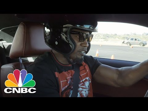 Jamie Foxx Proves He Can Do His Own Stunts In A 200-Mph Dodge Challenger | CNBC