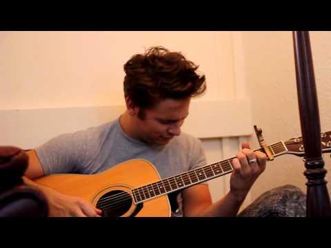 Robert Pattinson sings 'Let me Sign'