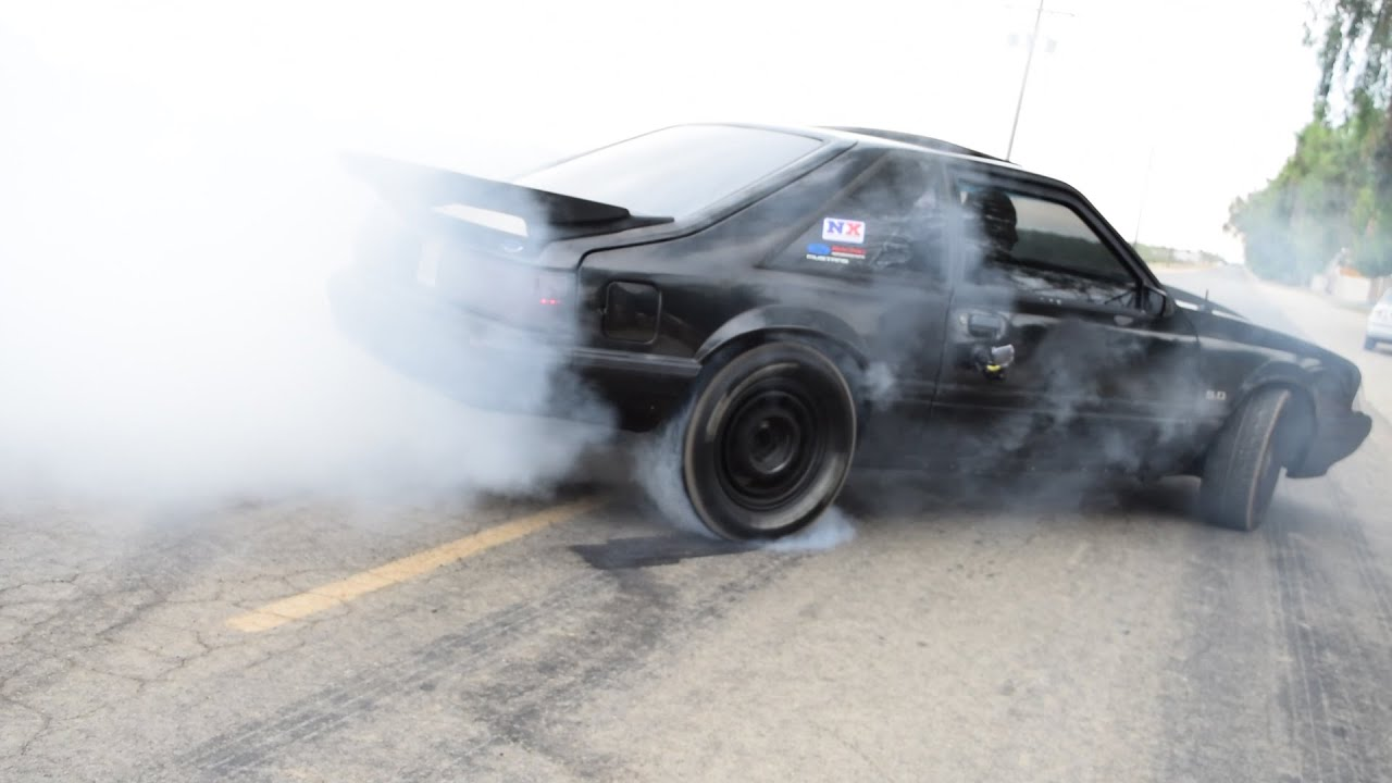 89 FORD MUSTANG LX FOX BODY STREET BURNOUT YouTube