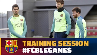 FC Barcelona training session: Recovery sessi...