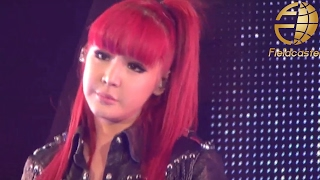 2NE1 「IT HURTS」 live (Girls Award 2011 TOKYO) FULL [Press Camera]