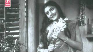 MASHAAL 1950 aankhon se door door hain par dil ke paas jo Lata S D Burman Pradeep